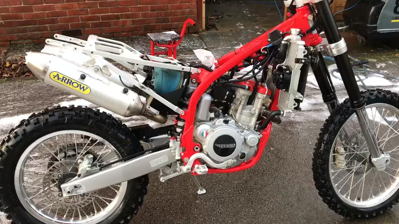 enduro trailbike motorcycle